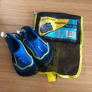 Water shoes EUR29