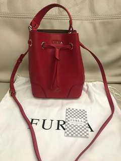 Furla 紅色索帶手袋 mini Stacy bucket bag