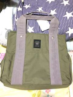 灰綠色帆布低調拼色提把三層收納實用感側肩包