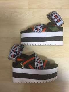 G.V.G.V flatform sandals