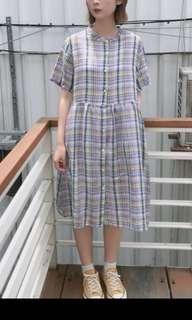 🚚 立領排扣彩格麻洋裝