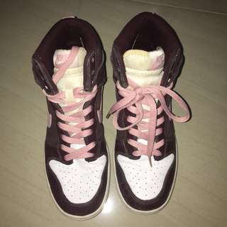 Authentic Nike Dunks