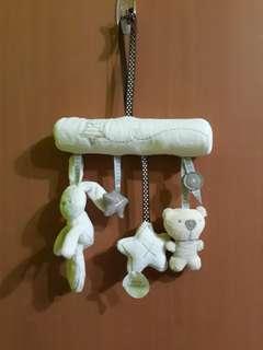 🚚 床吊飾玩具