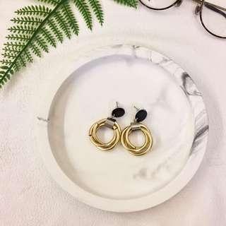 🚚 Karen Select 金色三環圈圈耳環