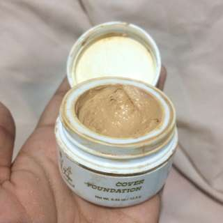 La Tulipe Cover Foundation