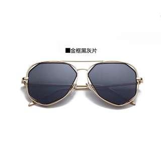 金框黑眼镜