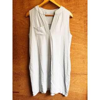 日本帶回🇯🇵柔美淺藍軟布V領綁帶口袋洋裝(附綁帶)