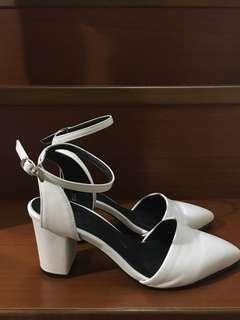 韓國白色尖頭高跟鞋