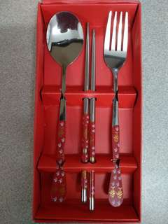Cutlery Set - Spoons, Forks and Chopsticks
