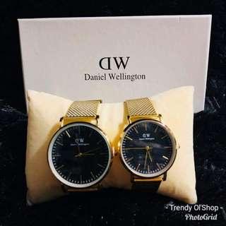 COUPLE UNiSEX DANiEL WELLiNGTON WATCH W/BOX RUBBER METALiC