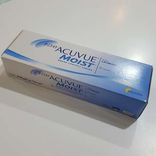 1 Day Acuvue Moist Contact Lenses (-1.25)