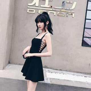 🚚 【黑店】訂製款 性感金屬圓孔綁帶細肩帶傘洋裝 歐美性感洋裝 大裙襬洋裝 個性洋裝 暗黑系洋裝 細肩帶洋裝 VK102