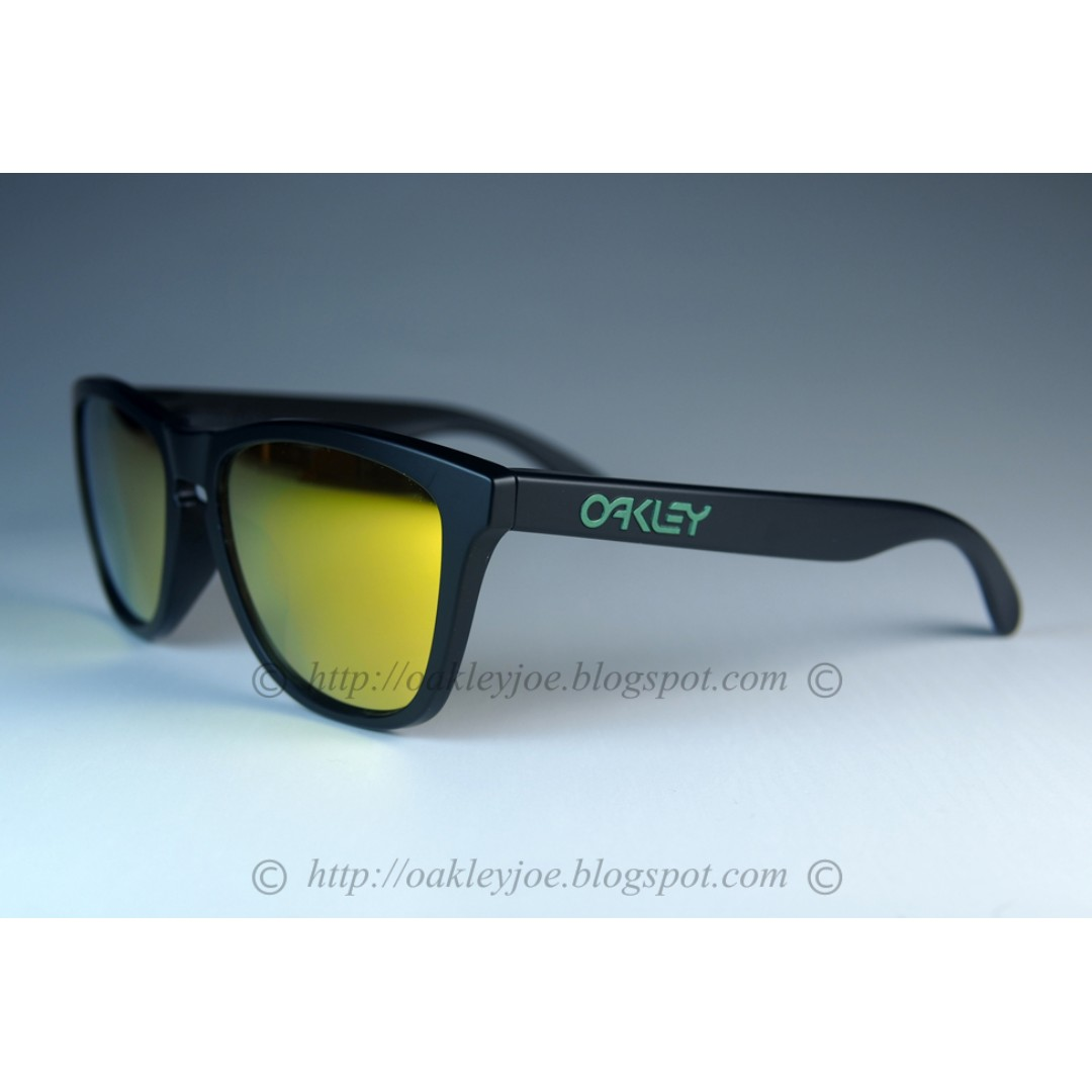 c0d379f94d BNIB Oakley Frogskins Asian Fit Custom matte black +24k iridium ...