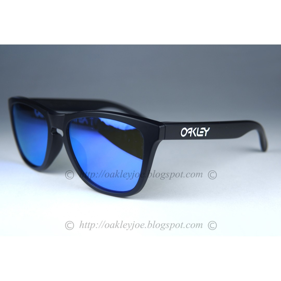 d2e549719c2 BNIB Oakley Frogskins Asian Fit Custom matte black + violet iridium ...