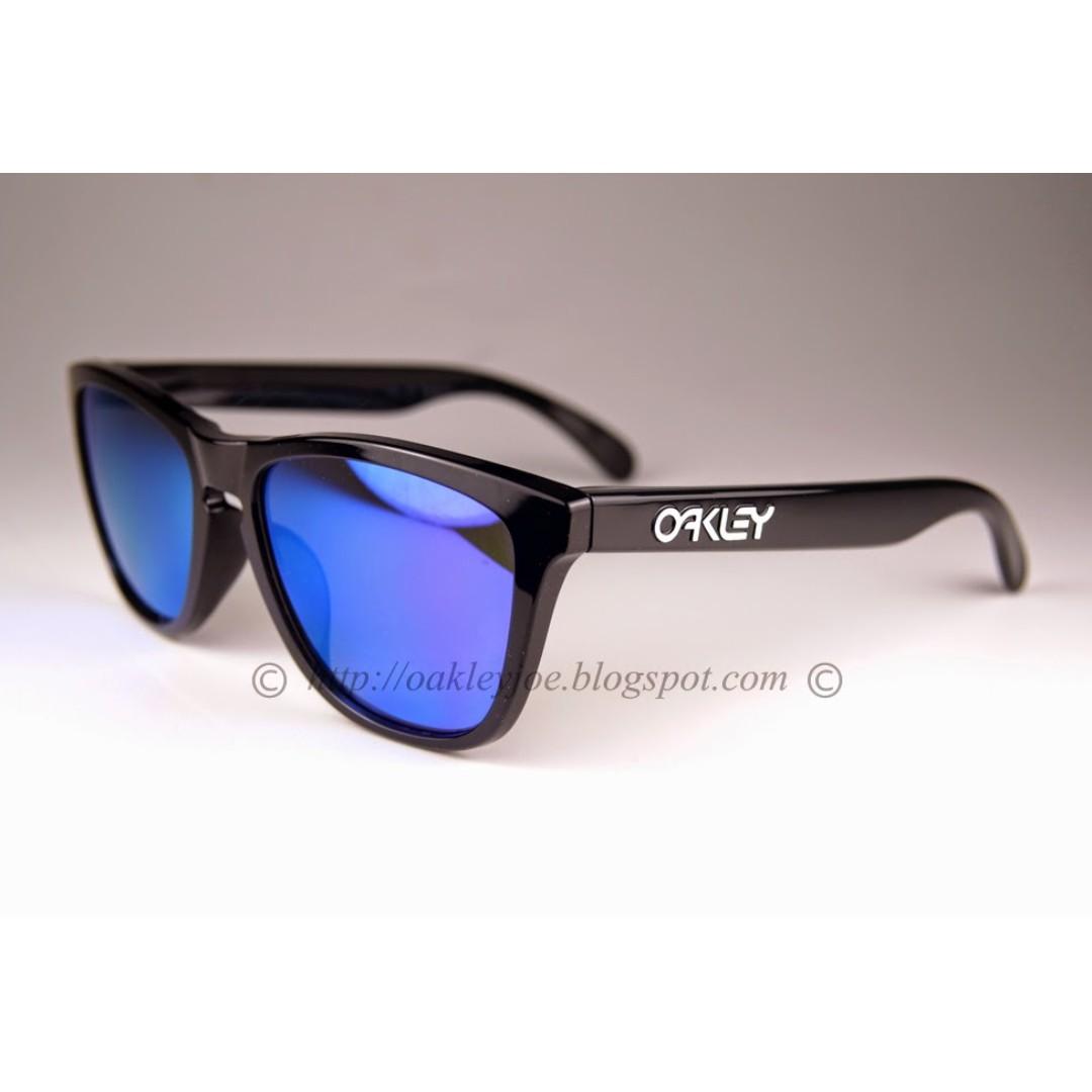 974ae7ce9a853 BNIB Oakley Frogskins Asian Fit Custom polished black + violet ...