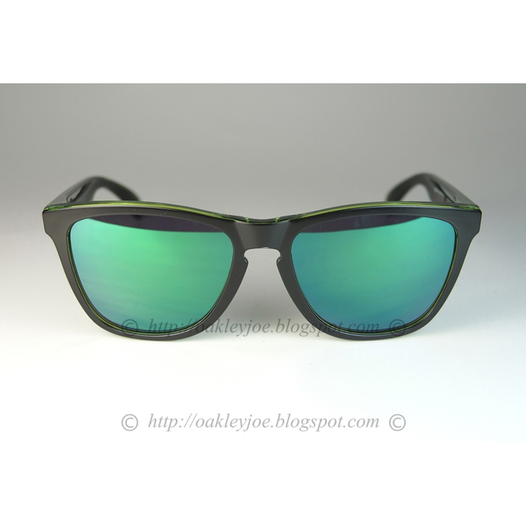 8721ac47aa BNIB Oakley Frogskins Asian Fit eclipse green + jade iridium oo9245 ...