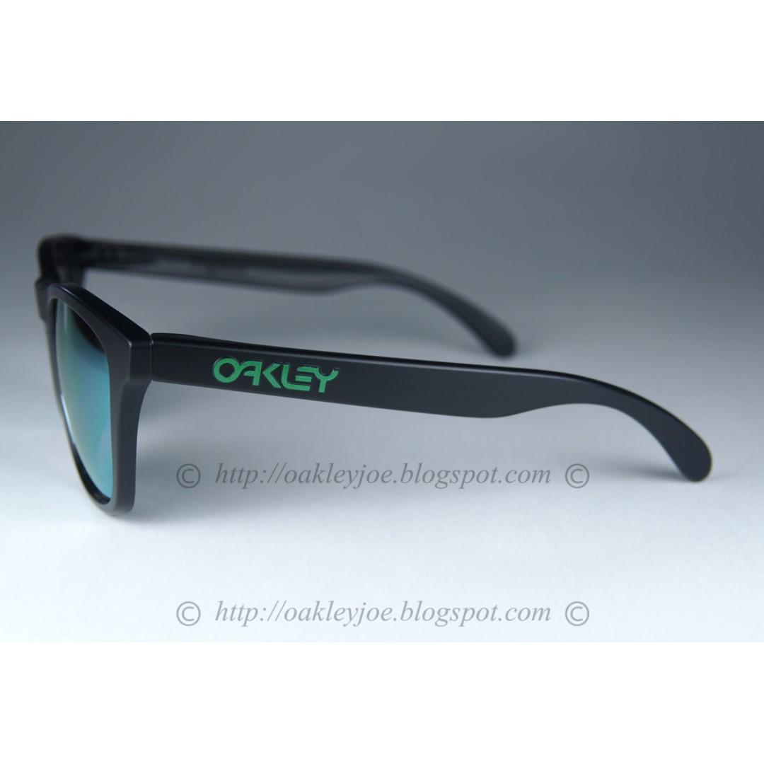 a8f00f20563 BNIB Oakley Frogskins Asian Fit matte black + emerald iridium polarized  oo9245-43 sunglass shades