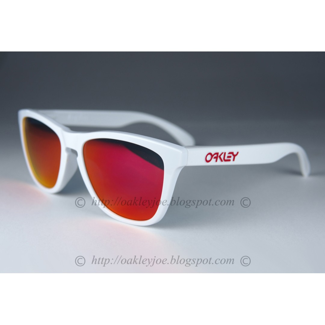6b67ba9ad0aaf BNIB Oakley Frogskins Asian Fit white + ruby iridium OO9245-44 sunglass  shades