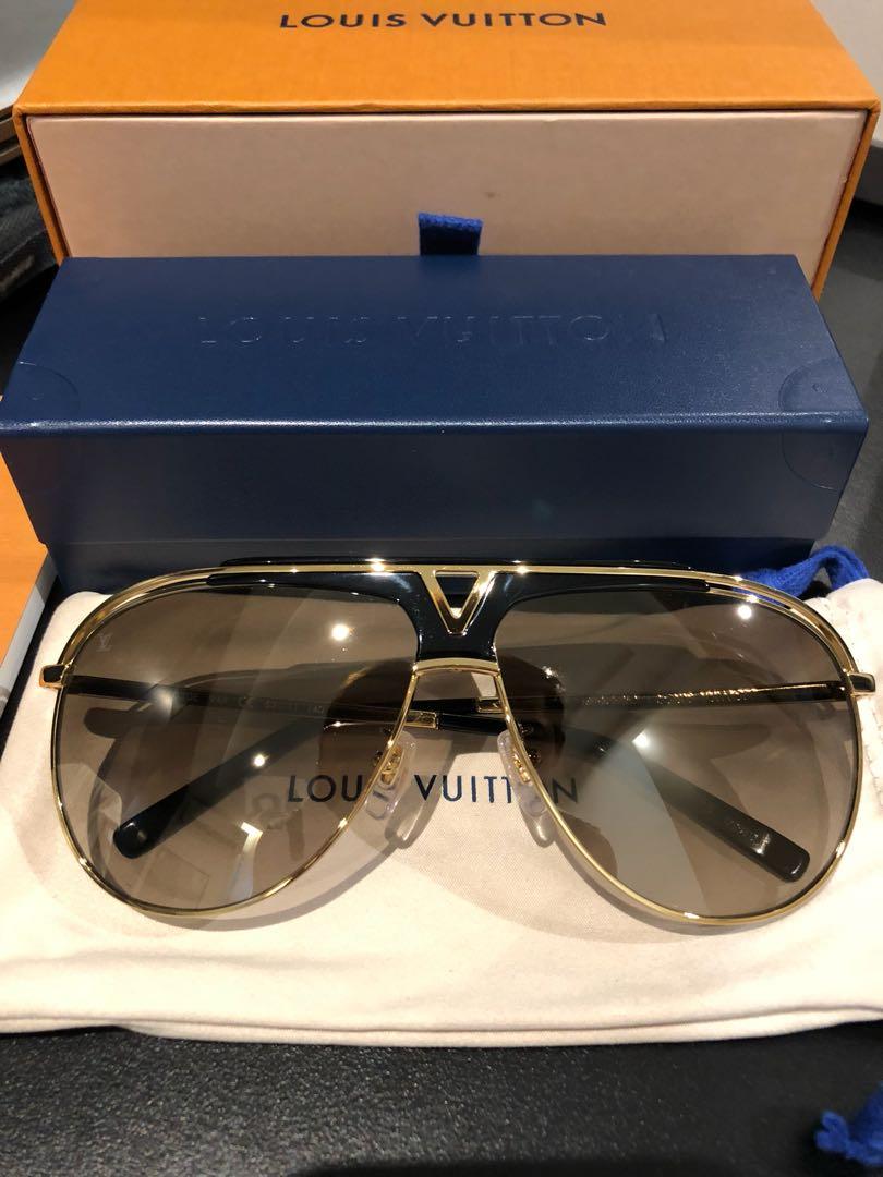 9f8f367cfdac Louis Vuitton Mascot Pilot Sunglasses Z1030E
