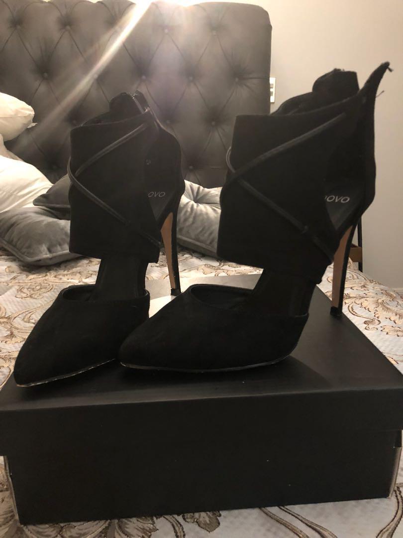 Novo heels size 6