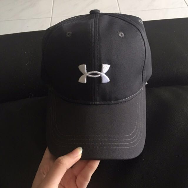 3aa66346583 Preloved Under armour cap