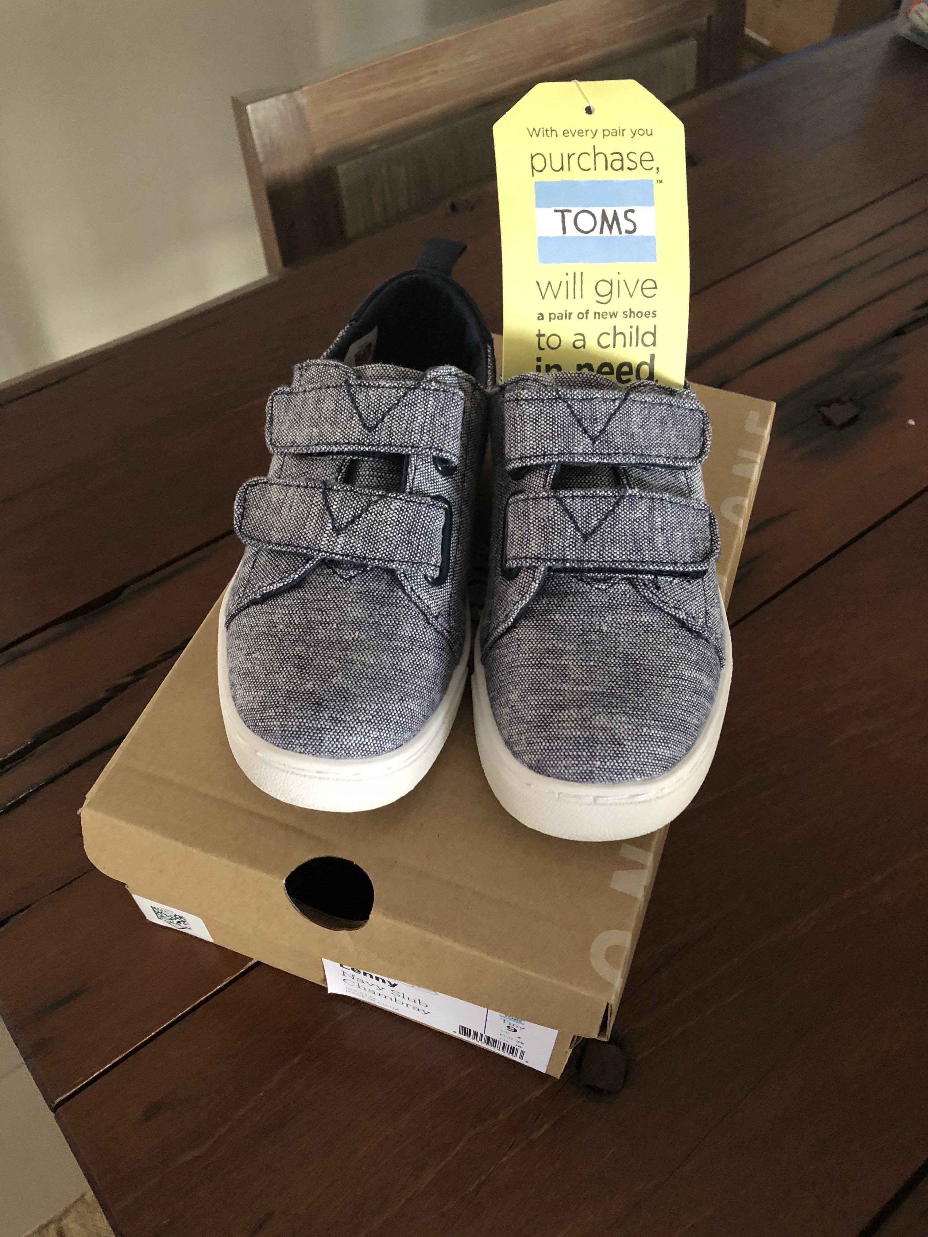 ca46aaf49b8e Toms Kids Shoes (new) - size 9