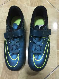 Authentic Nike Spike Shoes