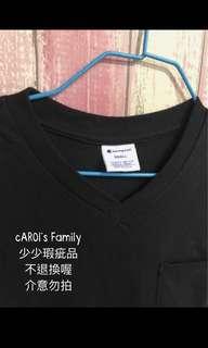 包郵champio 女裝v領口袋短T恤黑色細碼(少瑕疵)