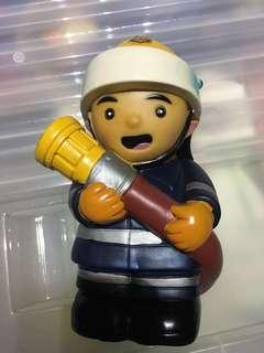 絕版消防員公仔錢箱