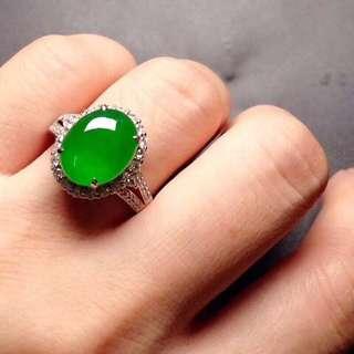 GZ-36批發價[色] : ¥44500 【高冰陽綠,戒指】 冰透冰綠,水潤細膩,色澤豔麗,高貴大方,完美,18K金奢華鑽石鑲嵌