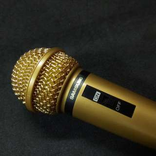 SAMSUNG Gold Dynamic Microphone. Brand new, never used