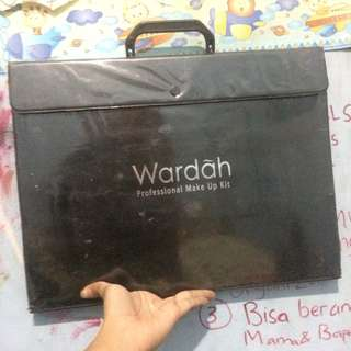 WARDAH PALETTE MAKE UP
