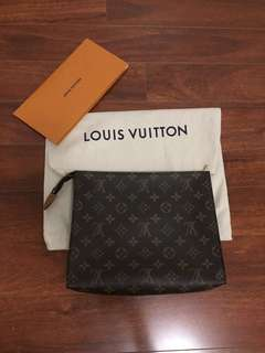 LOUIS VUITTON TOILETRY POUCH SZ 26