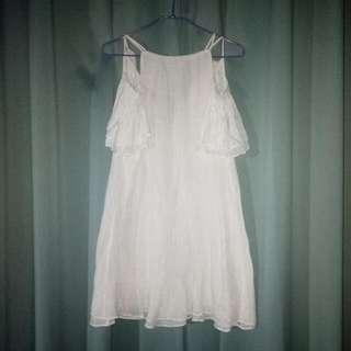 🚚 仙氣蓬勃ㄉ露肩洋裝