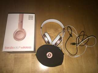 Rose Gold Beats solo 3 wireless headphones