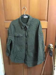 🐦正韓 軍綠色 襯衫 口袋襯衫 小外套 挺料 小外罩 綠襯衫 雙口袋