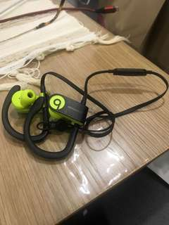 Beats Powerbeats 3 with Apple W1 chip