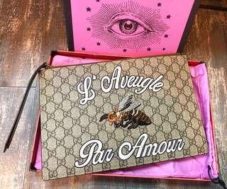 Gucci 蜜蜂刺繡手拿包 🐝man clutch /Pouch 全新現貨
