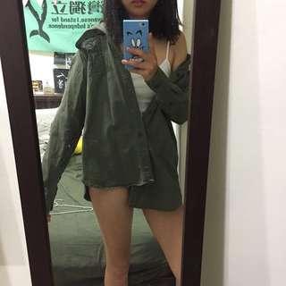 Uq軍綠襯衫