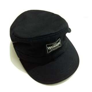 ✔Woden 帽子 黑色 軍帽 作工優 羽毛《藤屋》