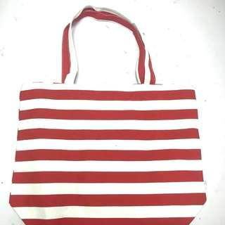 Red and white stripes canvas beach bag