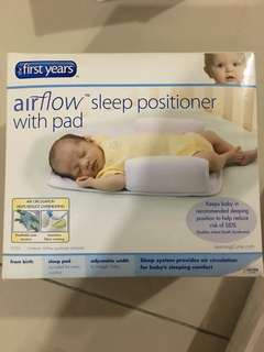 the first years airflow sleep positioner with pad