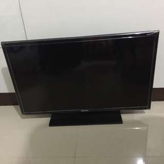 Samsung LED TV 32""