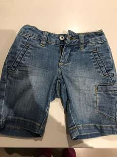 Seed boys jean shorts size 2-3