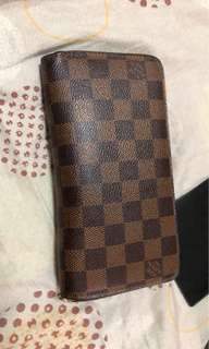 Authentic LV Zippy Wallet