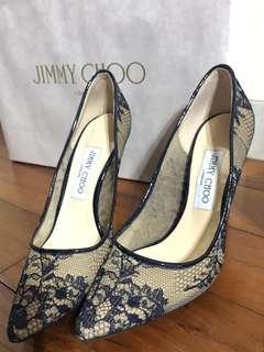 🚚 [二手9成超新]JIMMY CHOO蕾絲高跟鞋,因為穿不到高跟鞋,所以便宜售出。盒子保存都十分好喔