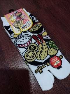 Kaos kaki sushi lucuu