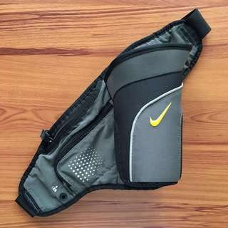 Nike Waist/Fanny Pack MP3 Player and Water Bottle Holder