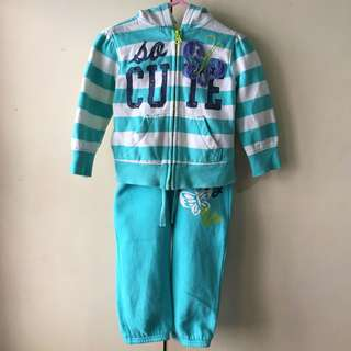 [Set] Old Navy Toddlers' Sweater and Pants (12-18 mos)