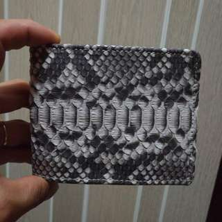Real snake skin, handmade Money back if fake W11cm x H9cm  Please pm message for detail or more picture, thank you  more detail please visit our facebook page  https://www.facebook.com/snake.wallet.hk